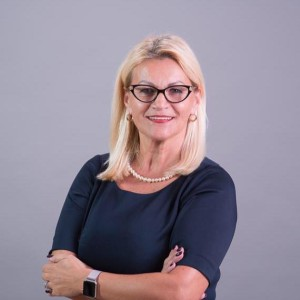 Anna Mierzwinski – Realtor at Luxury & Beach Realty 2525 Pasadena Ave., Ste. O, South Pasadena, FL 33707 Anna is a Polish Realtor in South Pasadena. She has 25 years of experience in sales and can help you sell or buy any real property. Anna serves clients in Pinellas and Hillsborough County. Anna speaks Polish. Anna jest polskim pośrednikiem nieruchomości w South Pasadena. Anna ma 25 lat doświadczenia w sprzedaży i może pomóc Ci sprzedać lub kupić nieruchomość. Anna obsługuje klientów w Pinellas i Hillsborough County. Anna mówi po polsku. (727) 612-2969 Email: amierzwins@yahoo.com Facebook: https://www.facebook.com/amierzwinski